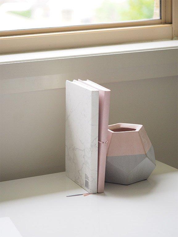 prisma-cement-pen-vase.jpg